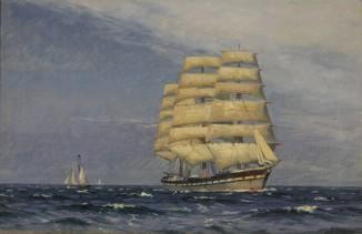Трехмачтовый корабль в море