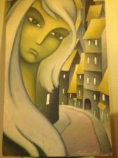Портрет девушки на фоне города