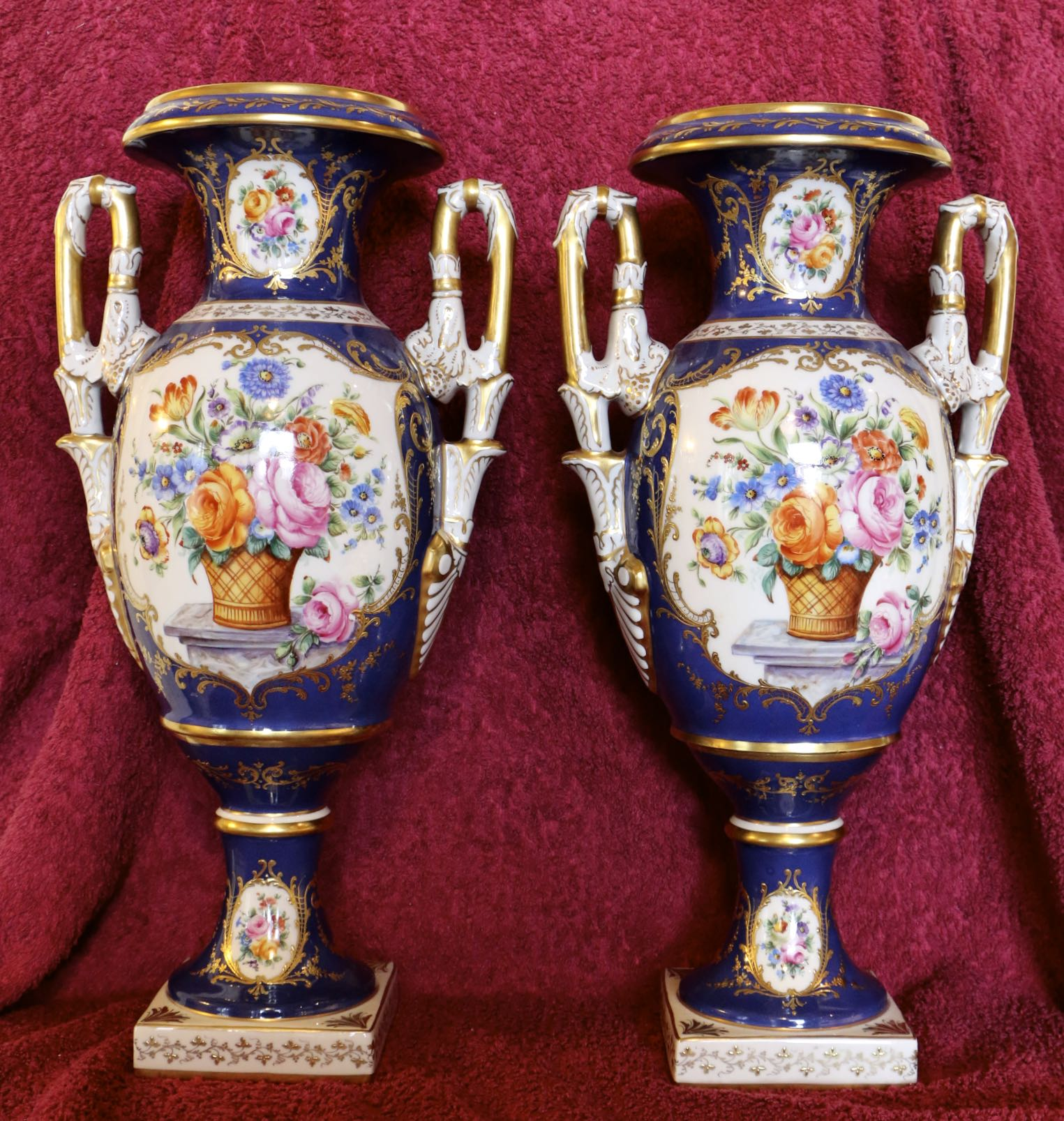 Парные вазы