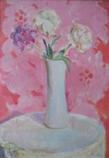 Пионы в белой вазе