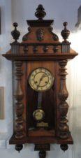 Старинные немецкие настенные часы с боем