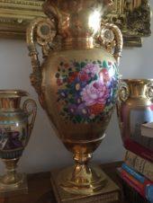 Декоративная ваза в стиле ампир