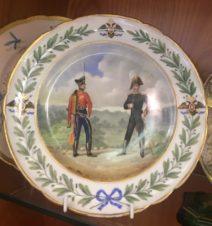 Тарелка с изображением солдат