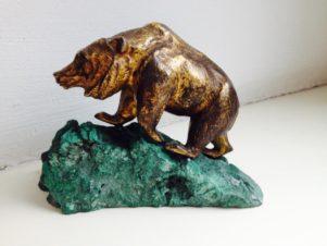 Медведь (статуэтка)