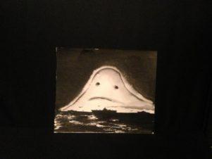 Корабли на фоне грустного привидения