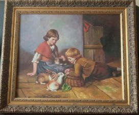Дети играют с кроликами