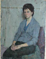 Женский портрет в сером
