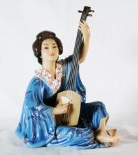 Статуэтка «Японка-гейша, играющая на сямисэне»(из серии «народы мира»)