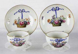 Чайные пары с изображением корзин с цветами