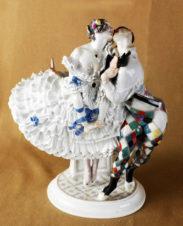 Фарфоровая статуэтка «Арлекин и Коломбина» (из балета М.М. Фокина «Карнавал»)