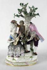 Статуэтка «Романтический сюжет под деревом»