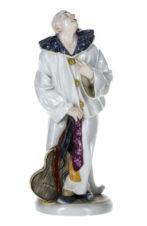 Фарфоровая статуэтка «Пьеро с гитарой»