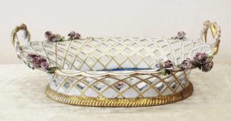 Ставринная конфетница в форме корзины