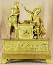 Большие дворцовые старинные каминные часы с боем в стиле ампир «Илиада»