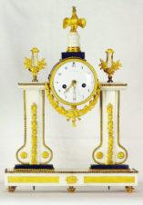 Cтаринные каминные часы 18 века с боем в стиле классицизма