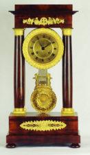 Часы каминные в стиле ампир