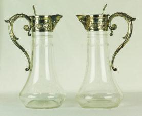 Парные кувшины для вина в неоклассическом стиле с грифонами