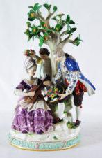 статуэтка «романтический сюжет под яблоней»