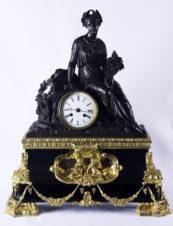 Cтаринные каминные часы с боем «Богиня Фортуна с рогом изобилия»