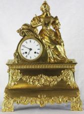 Cтаринные каминные часы с боем «Девушка мечтает»