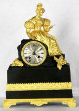 Cтаринные каминные часы с боем «Девушка, читающая письмо»