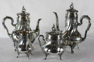 Старинный серебряный чайно-кофейный сервиз