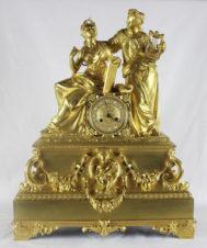 Большие дворцовые старинные часы с боем «Богини музыки»