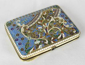 Старинный серебряный портсигар с эмалью