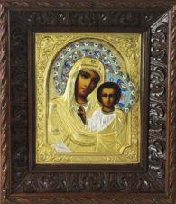 Старинная икона Божья Матерь «Казанская» с эмалью в резном киоте