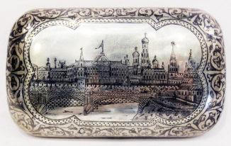 Серебряный портсигар с чернью «Московский Кремль»
