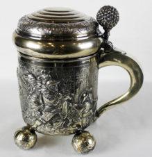 Серебряная кружка пивная с изображением военной темы
