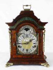 Каминные часы с мелодичным боем