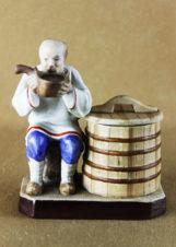 фарфоровая Статуэтка «Пьющий старик»