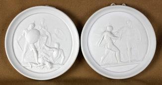 Парные панно с изображением исторических сцен войны