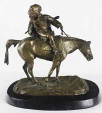 Скульптура настольная «Оглядывающийся черкес»