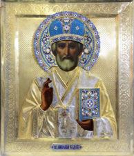 Антикварная икона «Николай Чудотворец» в серебряном окладе с перегородчатой эмалью