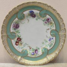 декоративная тарелка с изображением цветов