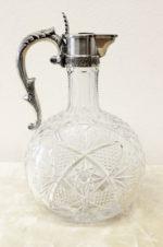 Серебряный графин для крепких напитков с декором в виде пальметты и листьев аканта