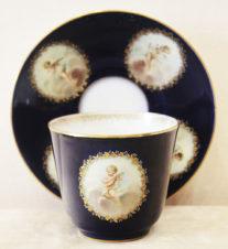 Большая чайная пара с изображением амуров