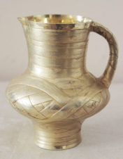 Серебряный молочник в русском стиле под «бересту»