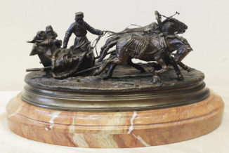 Бронзовая кабинетная скульптура «Зимняя тройка»