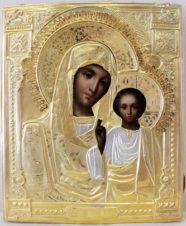 Антикварная икона «Богоматерь Казанская» в серебряном окладе