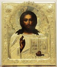 Антикварная икона «Господь Вседержитель» в серебряном окладе