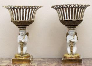 Парные вазы с фигурами амуров в стиле ампир
