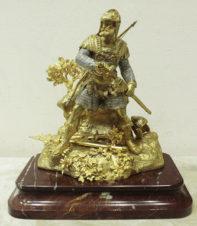 Бронзовая скульптура «Богатырь с мечом и луком»