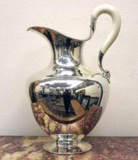 Антикварный серебряный кувшин для воды и напитков