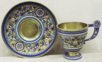 Старинная чайная пара с эмалью в русском стиле