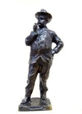 Бронзовая скульптура «Мужчина в шляпе с сигарой»