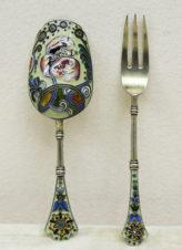 Совочек для сахара и вилка для лимона с эмалью по скани в русском стиле