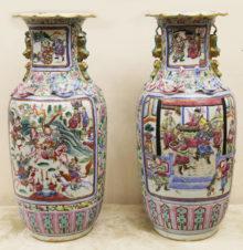 Парные вазы со сценами сражений, фигурами ящериц и тритонов